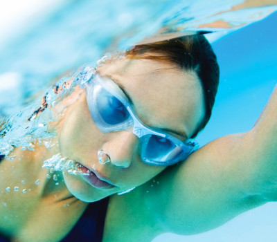 Cómo elegir tus lentes de natación
